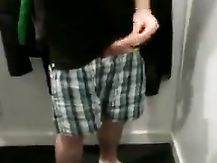 Hidden cam filmed the masturbator in changing room