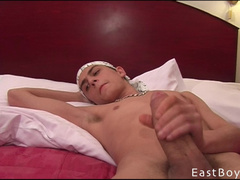 Twink is taking shower and getting handjobbed